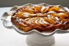 Перевернутый грушевый пирог с шафраном