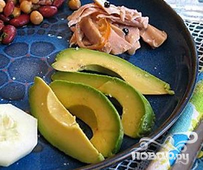 Канапе с креветками и авокадо
