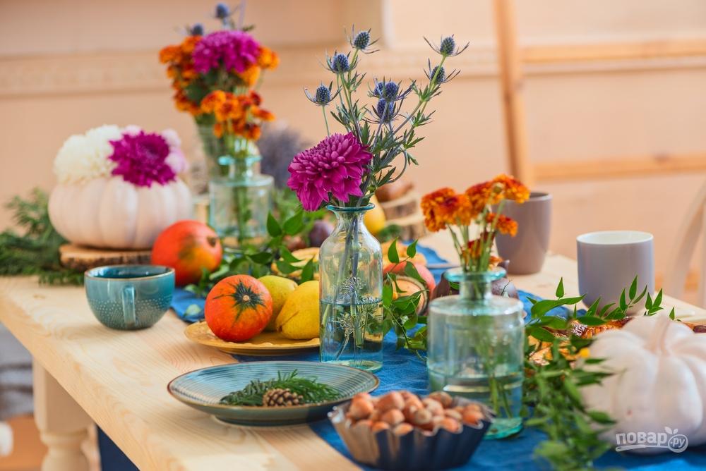 Добавьте немного сахара в вазу с цветами