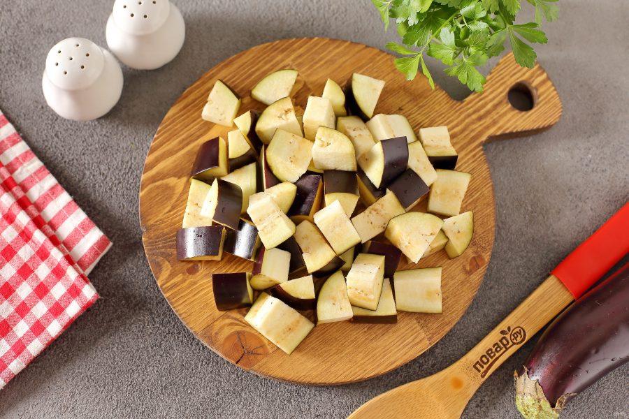 Одесский салат с сельдереем и баклажанами