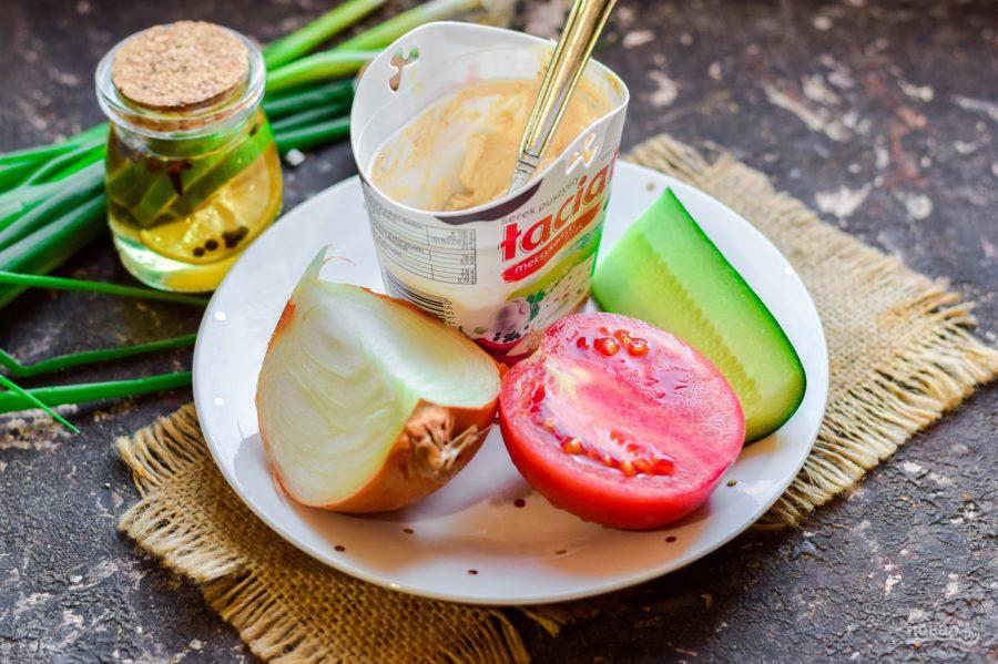 Ингредиенты для салата с авокадо и творожным сыром