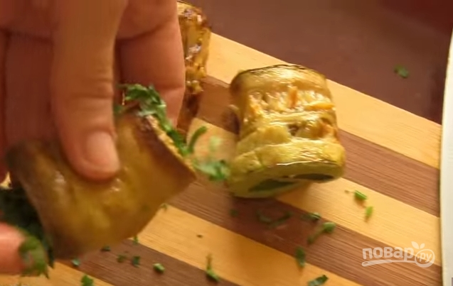 Рулетики из кабачков с сыром и чесноком
