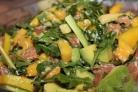 Салат из авокадо и семги