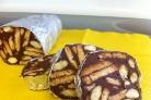 Шоколадные колбаски из печенья