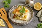 Запеканка с брокколи и лососем