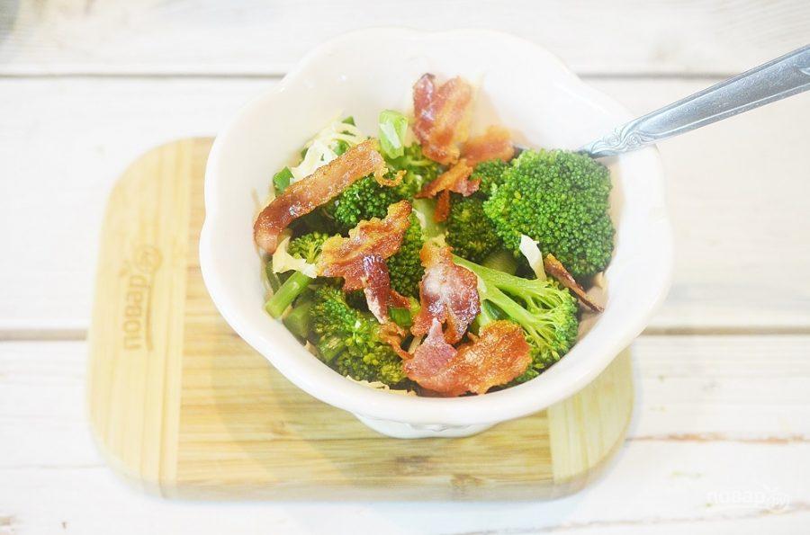 Салат из брокколи со сладкой заправкой