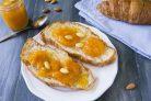 Варенье из абрикосов с миндалем