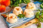 Творожное суфле с персиками