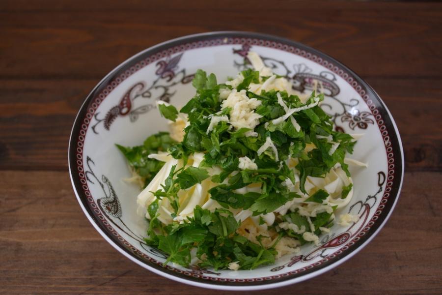 Батон с сыром и зеленью