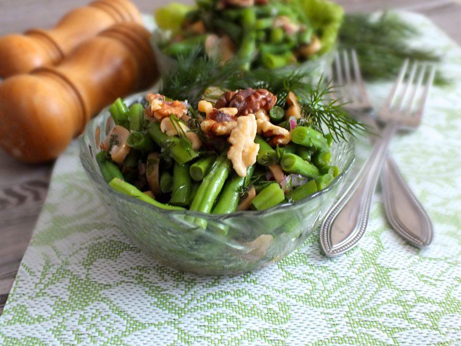Салат с грибами и стручковой фасолью