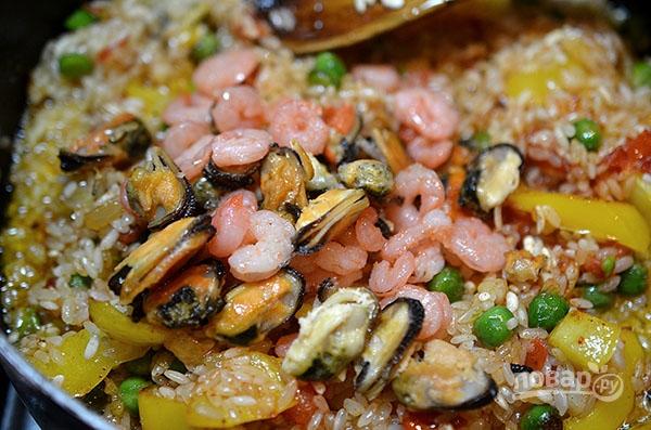 Паэлья классическая с морепродуктами