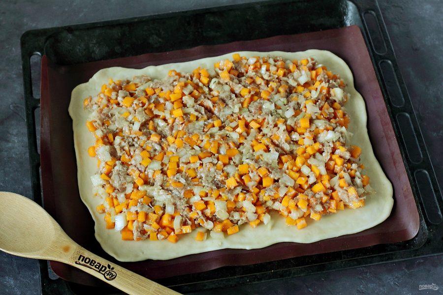 Приготовление пирога с фаршем и тыквой