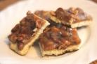 Карамельное печенье с арахисом