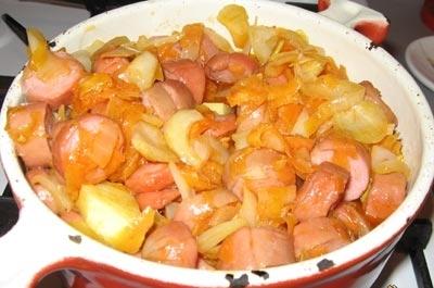 Тушеная картошка с сардельками рецепт
