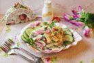 Салат из яичных блинчиков и колбасы