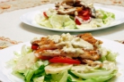 Куриный салат с сырным соусом