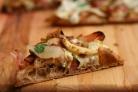 Пицца с карамелизованным луком и фенхелем