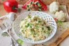 Салат из цветной капусты с крабовыми палочками