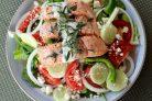 Салат Греческий с рыбой и йогуртовой заправкой