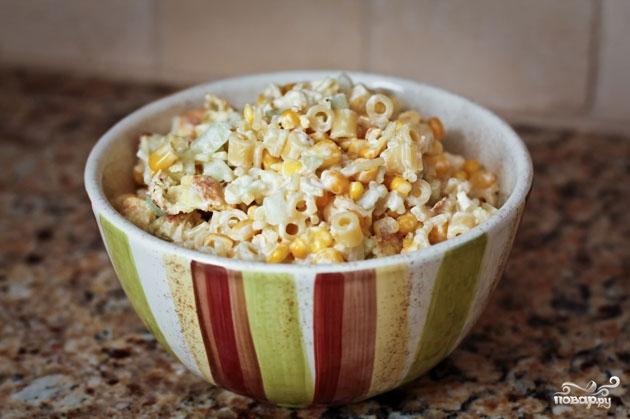 Рецепт Салат из цветной капусты, огурцов и макарон