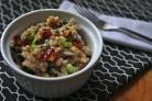 Салат с фарро, клюквой и сельдереем