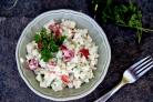 Салат из цветной капусты с помидорами и огурцами