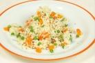 Рис с морковью и горошком