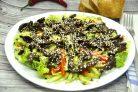 Тайский салат с говядиной и болгарским перцем