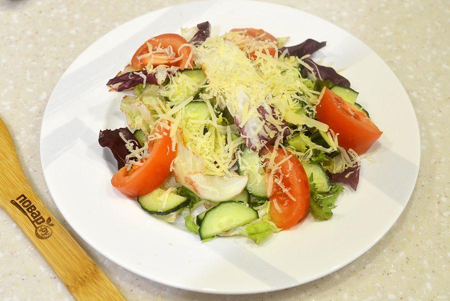 Салат с яйцом-пашот
