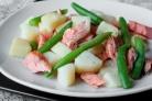 Салат из форели с картофелем и зеленой фасолью