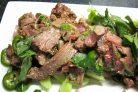 Мясо по-тайски с огурцами