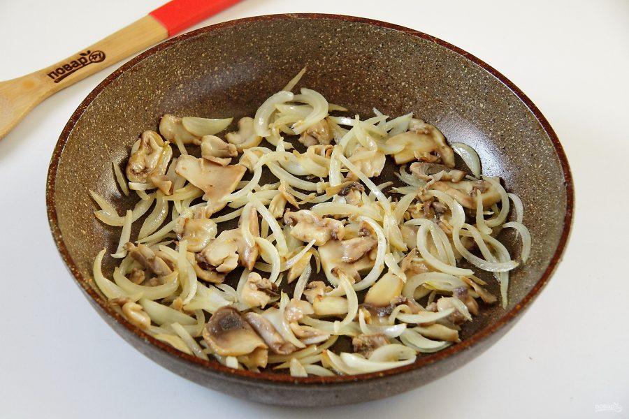 Салат из кабачков и шампиньонов
