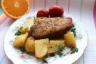 Утка в духовке с картошкой в рукаве