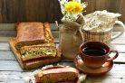 Быстрый заливной пирог с ранней капустой, яйцами и зеленью