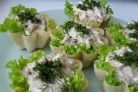 Тарталетки с тунцом и сыром