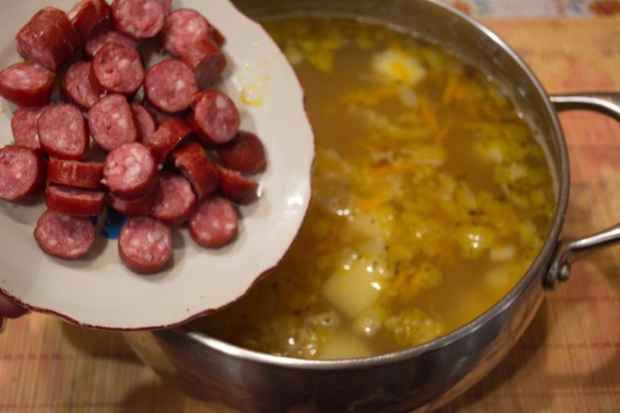 Гороховый суп с охотничими колбасками