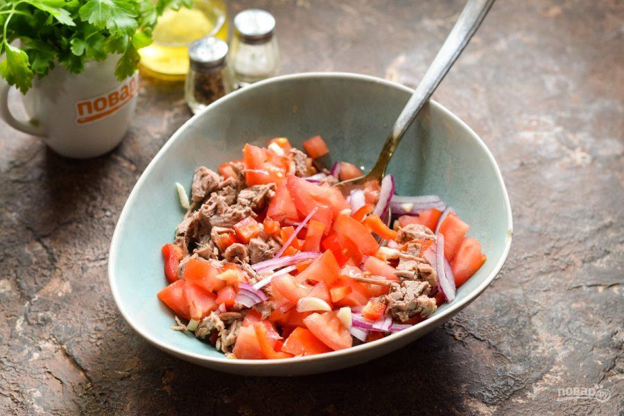 Мексиканский салат с говядиной