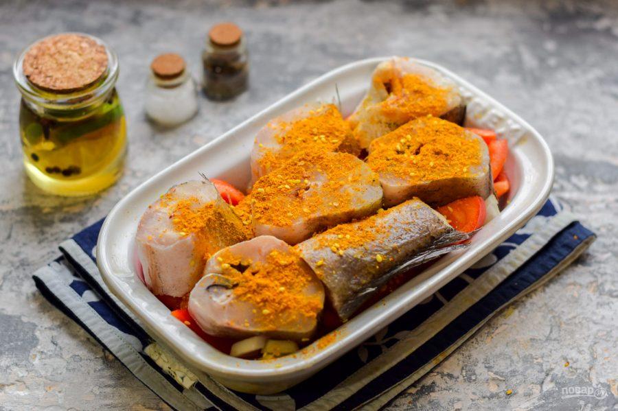 Приготовление рыбы на овощной подушке в духовке