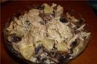 Курица с грибами и ананасами