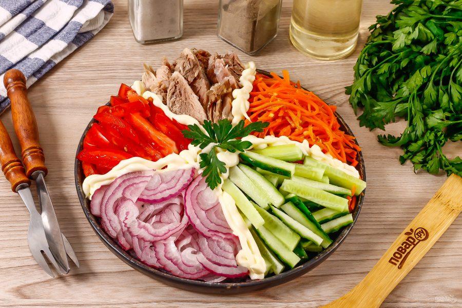 Салат кучками с корейской морковкой