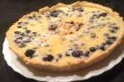 Черничный пирог со сметанной заливкой