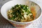 Сырный салат с чесноком