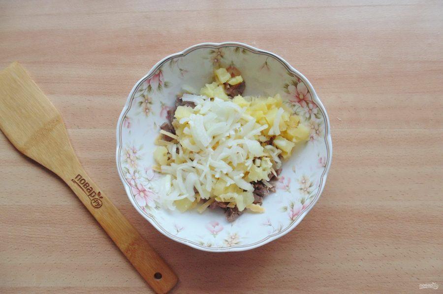 Салат с языком и ананасом