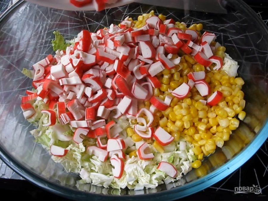 Салат из крабовых палочек и капусты с укропом