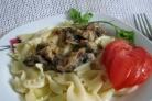 Макароны со сливочным чесночно-грибным соусом