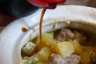 Баранина с горохом в горшочке в духовке