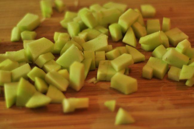 Яблочно-луковые тарталетки