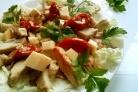Салат из индейки с вялеными помидорами