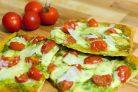 Пицца с песто и томатами