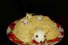 """Cалат """"Мышки в сыре"""""""